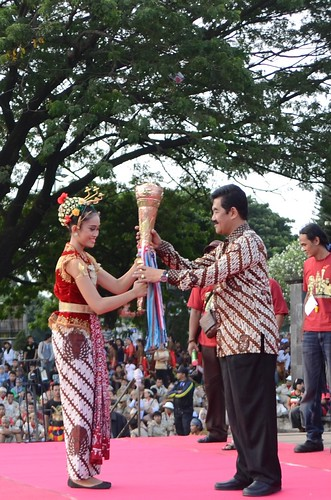 GBHP Yudhaningrat Receive Peace Torch
