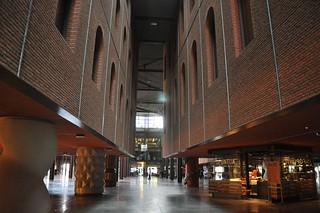 http://hojeconhecemos.blogspot.com/2012/05/do-alhondiga-bilbao-espanha.html