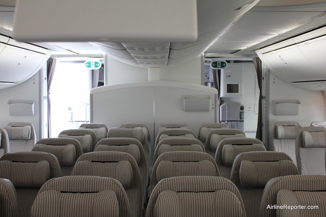 JAL Boeing 787 Dreamli...