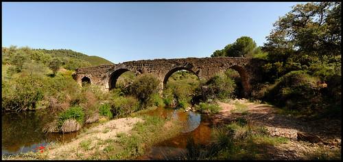 Puente romano Rio Guadanuño