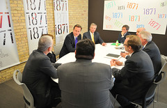 Prime Minister David Cameron meets with business leaders in Chicago