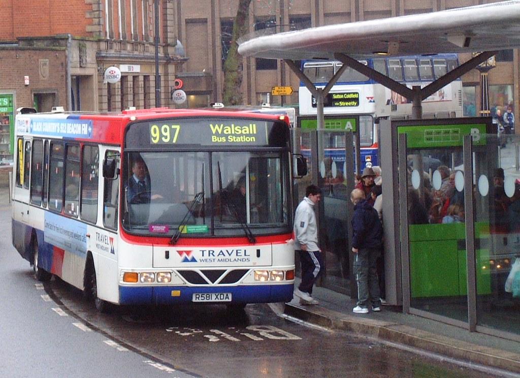R581XDA - Walsall 2002 | WMT 581, Walsall 5th January 2002