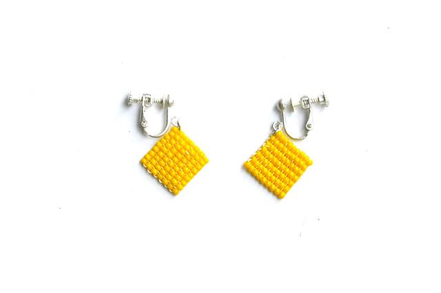 yellow square earrings(no chain)