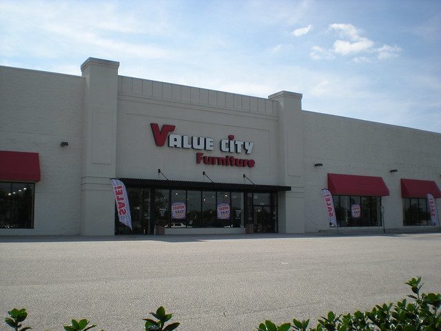 Value City Furniture A Value City Furniture Store In Newpo Flickr Photo Sharing