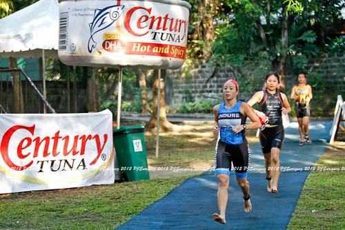 Animo Sprint Triathlon 2012: to Transition 1
