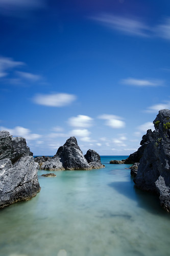 blue summer vacation holiday seascape beach canon landscape bay day limestone horseshoebay bermuda beachscape 5dmkii ef1740f40lusm leebigstopperlongexposureclouds pwpartlycloudy