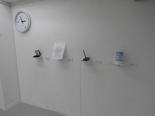 Kanslibyrån: Office Clock + Medal of merit + Edible rejection + Modified pen + Donations box