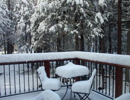 snowtablechairs
