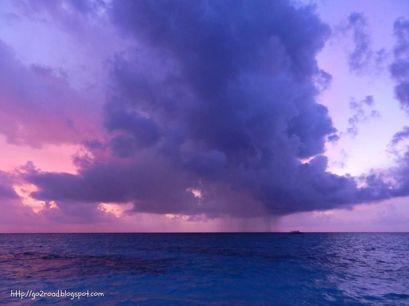 Дождь на Мальдивах
