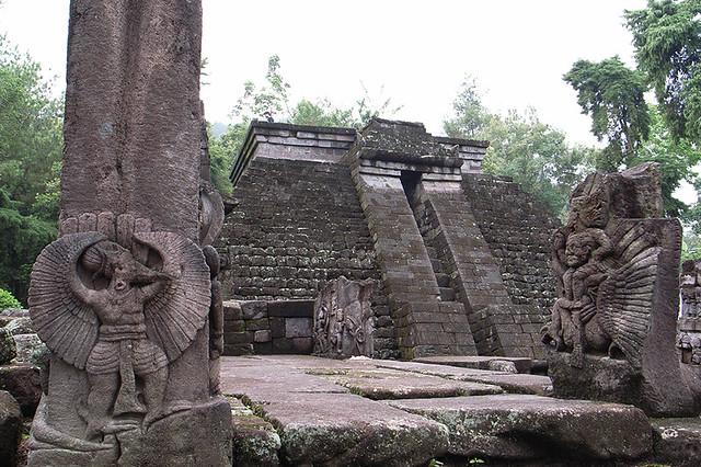 2007111602 - Candi Sukuh