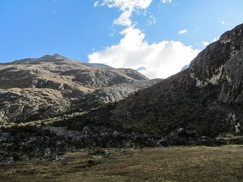 Parque Nacional Huascarán: dernière montée bien abrupte (à droite dans l'ombre) jusqu'à la Laguna 69...