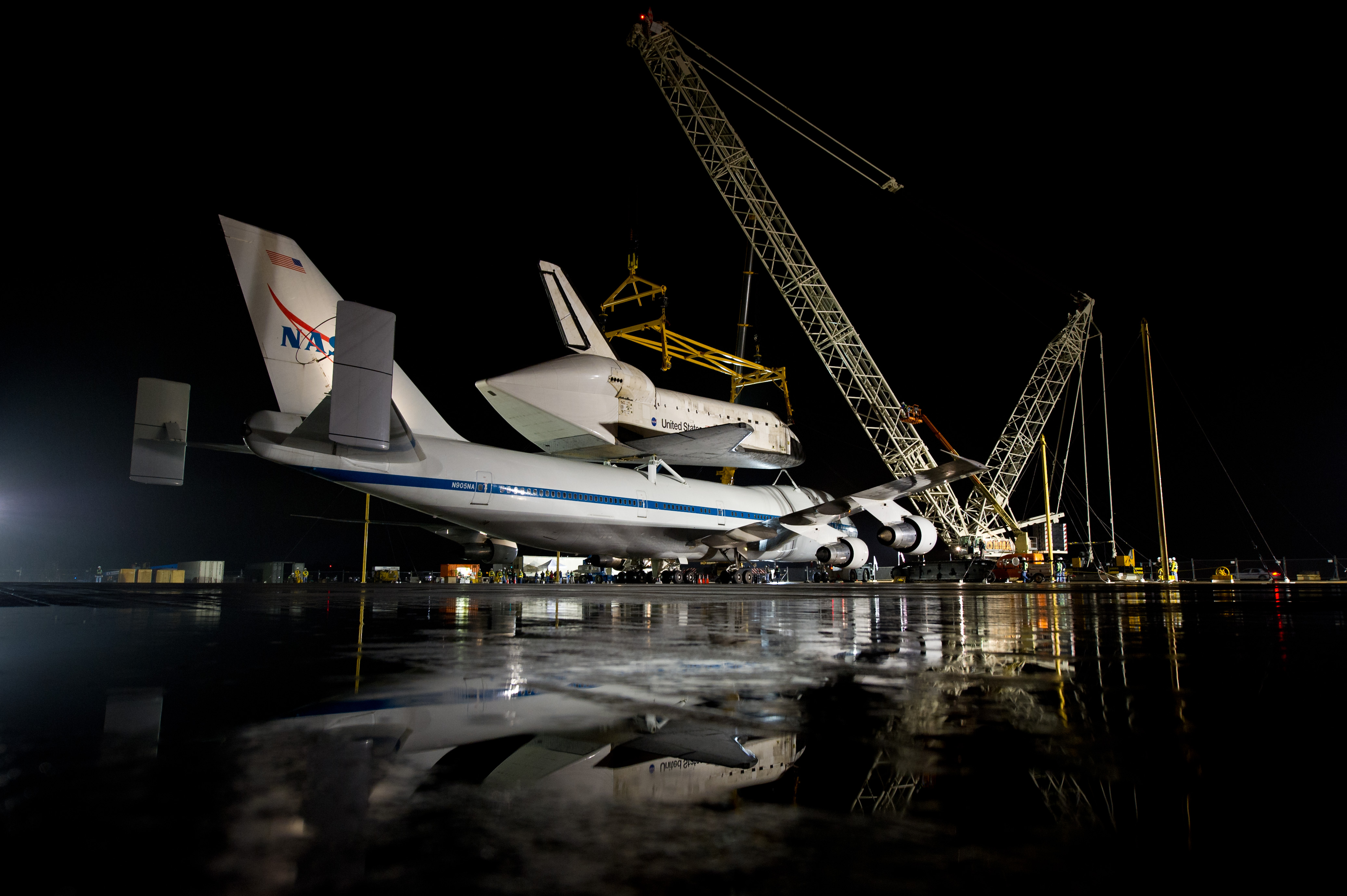 Space Shuttle Discovery Ready For Demate (201204180005HQ ...