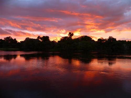 亞馬遜河晚霞。