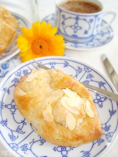 杏仁丹麦糕点