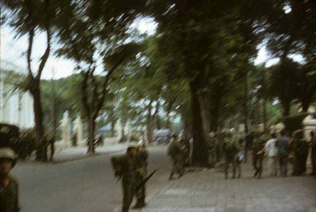 Đường Gia Long phía trước Dinh GL - November 1963 Saigon - Coup