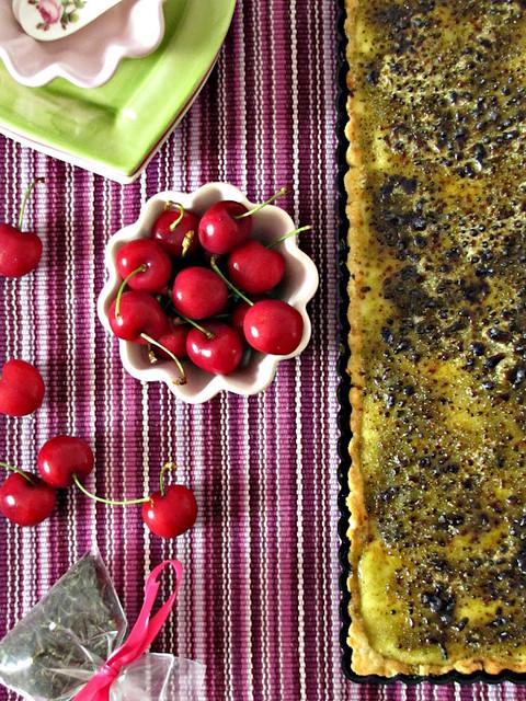 Tarte Brulée di Amarene e Fava Tonka caramellata al Matcha