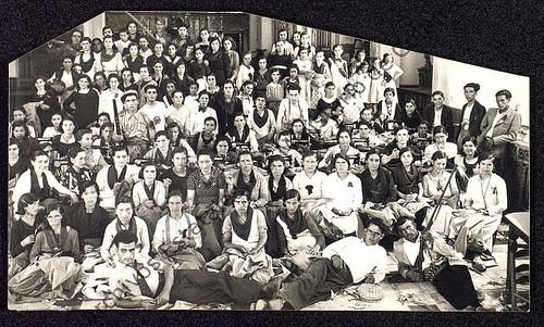 Jóvenes de Pozoblanco (Córdoba) en un taller textil. 27.09.1936