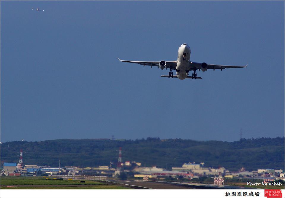 國泰航空B-HLU客機027