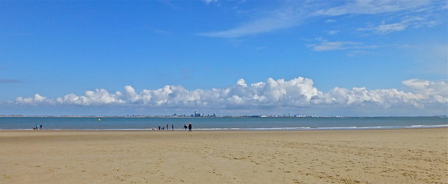 In the distance the skyline of Vlissingen .