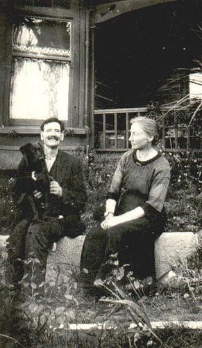 Tom & Emma Dalton (nee Meng)