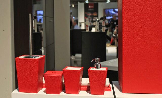 red bathroom accessories nameeks flickr photo sharing