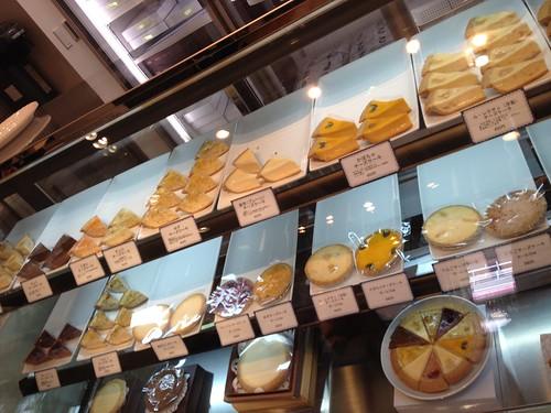 ショーケースはチーズケーキのみ。@麻布チーズケーキ サンクサンク