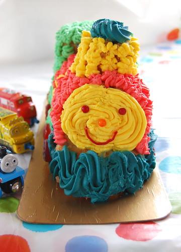 Паровозы - везде! B-day cake for Alex