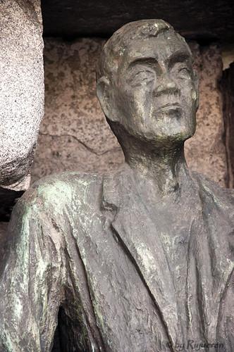Vienna: Niemals vergessen (monumento alle vittime del Nazismo - Morzinplatz )