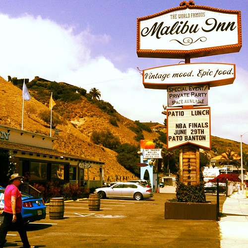 Malibu Inn by Davide Restivo