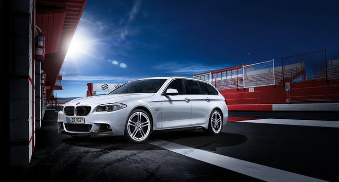 【新聞照片一】BMW 520i Touring M Performance Edition 展現與眾不同的性能品味
