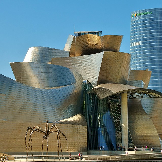 Guggenheim Frank O. Gehry. Araña