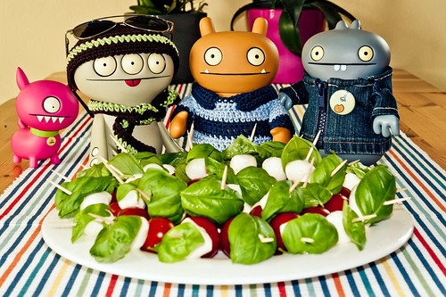 Uglyworld #1485 - Preparerings Party Snackeries (Project TW - Image 84-366) by www.bazpics.com