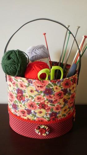 Organizador de material de tricô by bettyteive