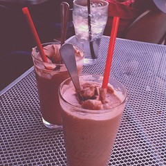 nitro liquid shakes at h burger. all of the om nom.
