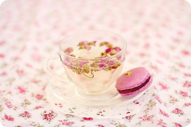 Rose Tea & Macaron