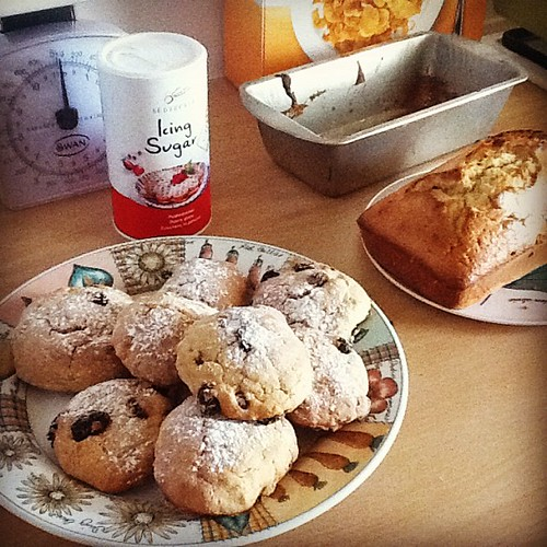 Scones and a plumcake