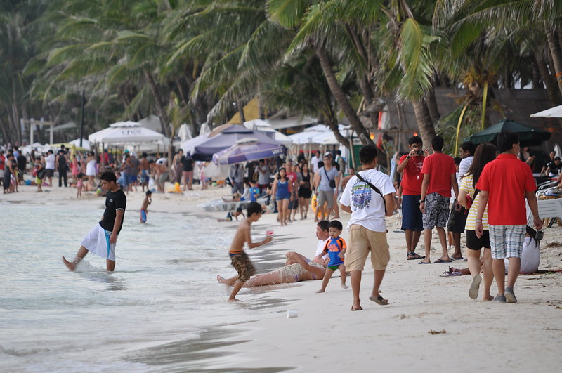 Crowded at Sunset! Boracay Beach