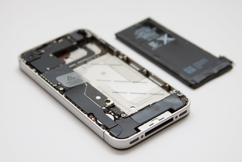 iPhone 4G - battery removed