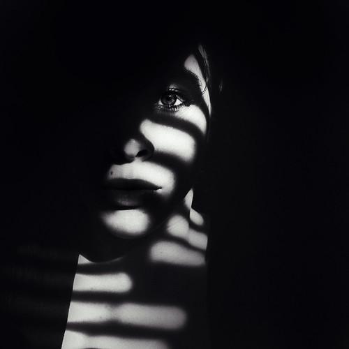 solitary. by Lá caitlin