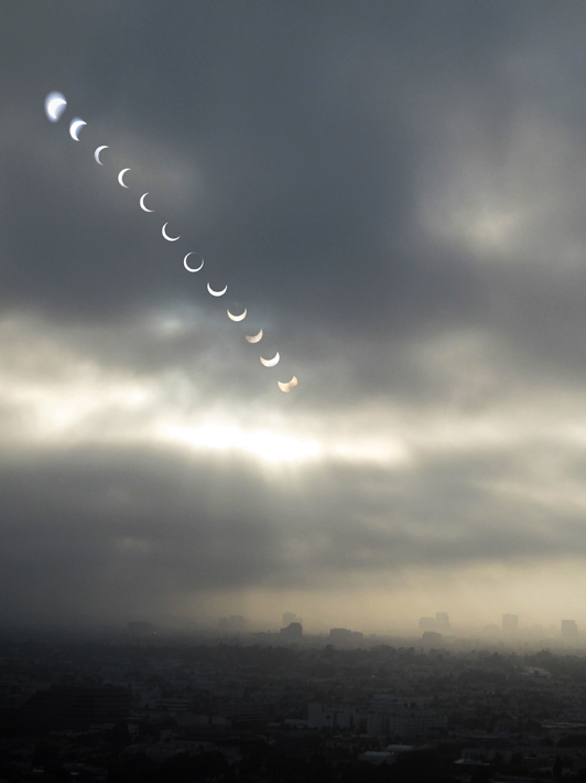 052112_05eclipse01