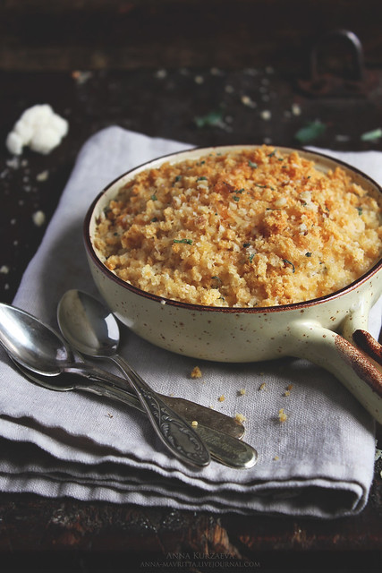 Cauliflower&Onion Gratin with Parmesan Crumbs
