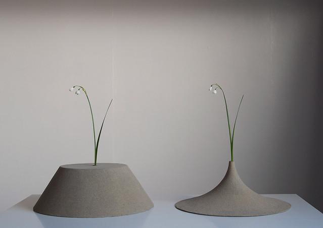 Design Curves Sand Vases