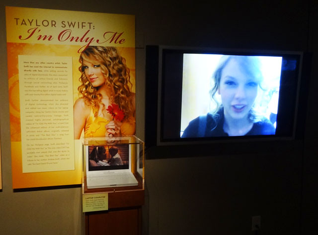 Taylor-Swift-exhibit