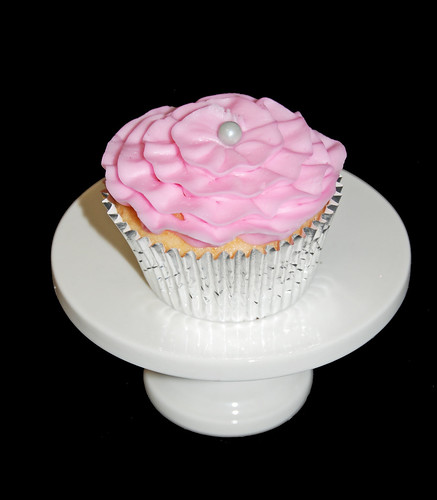 pink ruffle cupcake with silver pearl center - single cupcake stand