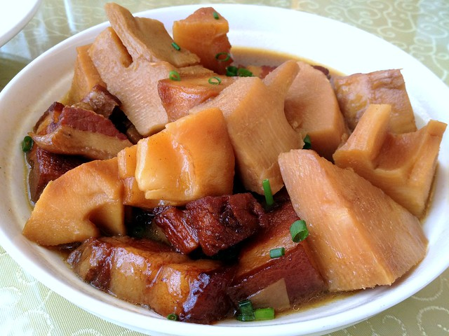 Braised Pork Belly with Bamboo
