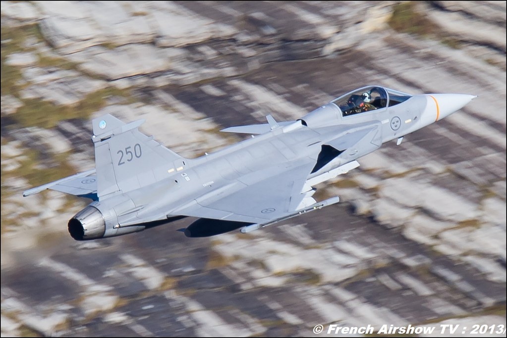 Jas-39 Gripen Exercices de tir d'aviation Axalp 2013