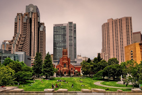Yerba Buena Gardens. St. Patrick Catholic Church (II). San Francisco (California)