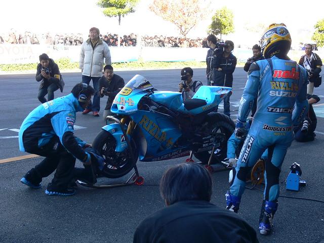 Nobuatsu Aoki Rizla MotoGP Suzuki GSV-R Alvaro Bautista