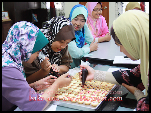 Demo Class: Blueberry Cheese Tart ~ 24 April 2012