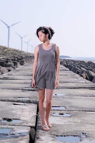 無料写真素材, 人物, 女性  アジア, 風車, 人物  目を閉じる, 風力発電